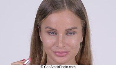 piękna kobieta, szminka, piękno, shirtless, młody, twarz, pojęcie, kładzenie