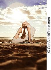 piękna kobieta, yoga, szczupły, młody, sunris, staże, plaża