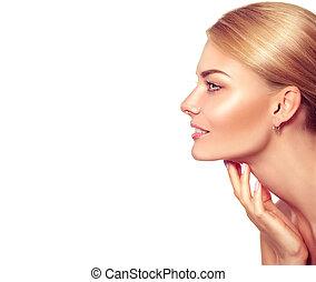 piękno, portrait., piękny, zdrój, blondynka, kobieta, dotykanie, jej, twarz