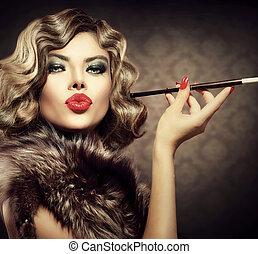 piękno, retro, kobieta, z, mouthpiece., rocznik wina, tytułowany, piękno