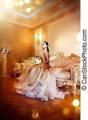 piękno, wspaniały, kobieta, w, piękny, wieczorny strój, w, luksusowy, styl, wewnętrzny, room., elegancki, dama, pełny portret długości