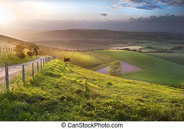 piękny, angielski countryside, krajobraz, na, toczne górki