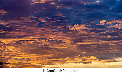 piękny, błękitny, poziome chmury, pomarańcza