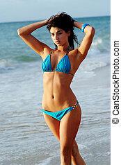 piękny, bikini, dziewczyna, na, plaża