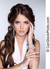 piękny, blask, kobieta, biżuteria, szary, odizolowany, kudły, tło., fason, brunetka, accessories., portret