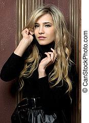 piękny, blondynka, w, wewnętrzny