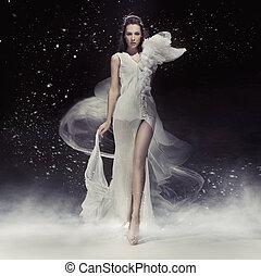 piękny, brunetka, dama, w, biały strój