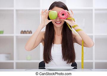 piękny, dżonka, kobieta, jadło, między, młody, diet., wybierając, owoce