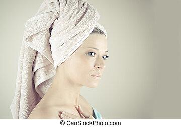 piękny, doskonały, jej, face., po, młody, wanna, skin., dotykanie, skóra, zdrój, woman., skincare., dziewczyna