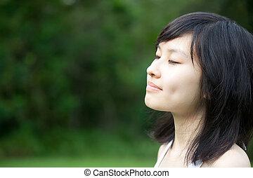 piękny, dziewczyna, cieszący się, asian, outdoors