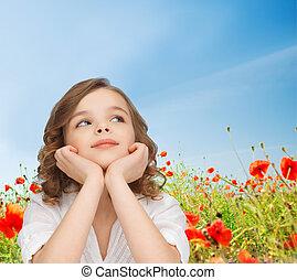 piękny, dziewczyna, posiedzenie na stole, i, przeglądnięcie do góry
