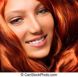 piękny, dziewczyna, z, zdrowy, długi, czerwony, kędzierzawy, hair., rozciąganie