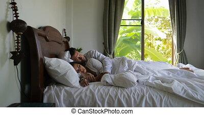 piękny, młoda para, rano, do góry, łóżko, sypialnia, dziewczyna, budzenie, człowiek