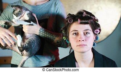 piękny, młody, jej, curlers, dziewczyna, hair., portret