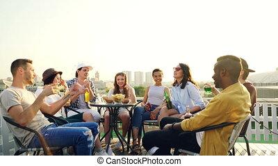 piękny, miasto, grupa, multiethnic, mówiąc, wtedy, miękki, ...