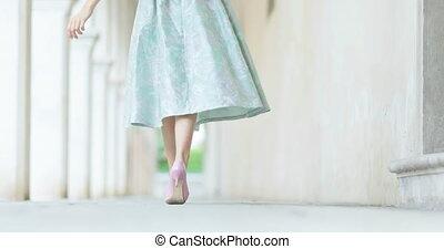 piękny, miasto, pieszy, starożytny, dziewczyna
