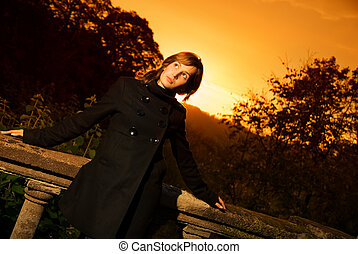 piękny, myślenie, dziewczyna, zachód słońca, czas