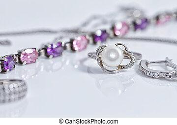 piękny, niezwykły, dzwoni, srebro łańcuch