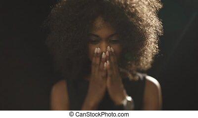 piękny, patrząc, kobieta, afrykanin, kapy, smutny, na dół, ...
