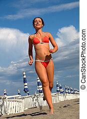 piękny, plaża, kąpanie się, kobieta, błękitny, biegnie, ...