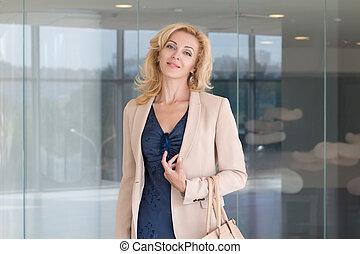 piękny, portret, kobieta, dorosły, handlowy