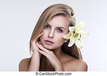 piękny, portret, kobieta, młody, kwiat