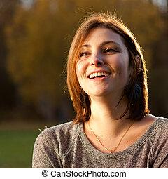piękny, portret, uśmiechnięta kobieta, młody