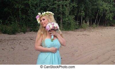 piękny, pozy, kobieta, plaża, młody