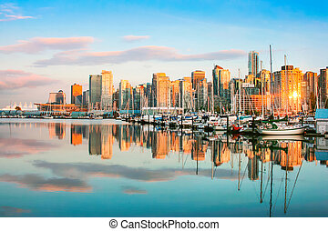 piękny, prospekt, od, vancouver skyline, z, port, na, zachód słońca