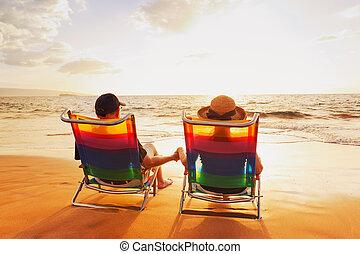 piękny, romantyczna para, zachód słońca, cieszący się,...