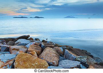 piękny, skalisty, na, zachód słońca, coastline, świt, krajobraz