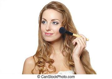 piękny, szczelnie-do góry, kobieta, przykładając makeup, młody, odizolowany, tło, portret, biały