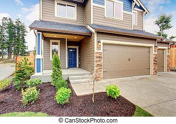 piękny, tradycyjny, dom, z, driveway.