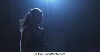 piękny, trening, kobieta, młody, związać, bokser, skokowy, środek, hala, rozmiar