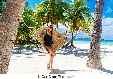 piękny, tropikalny, kąpanie się, odprężając, młody, kudły, ...