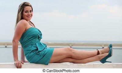 piękny, uśmiechnięta kobieta, outdoors