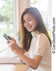 piękny, używając, kobieta, smartphone, asian