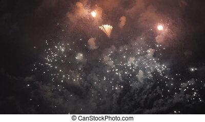 piękny, wieczorny, patrzeć, ludzie, fajerwerki, święto