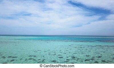 piękny, wysokość, antena, shoot., wave., światło słoneczne, ocean, wysoki, morze, pod, clouds., błyszczący