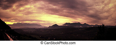piękny, zachód słońca, pochmurny
