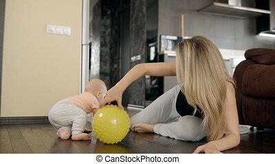 piłka, jej, pokrętny, żółty, syn, blond, macierz, home.,...