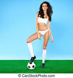 piłka, piłka nożna, brunetka, curvy, przedstawianie, piękny