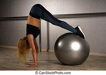 piłka, pilates, ruch