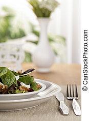 piastra insalata, su, uno, tavola