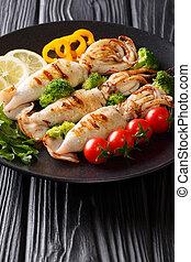 piastra, primo piano, verticale, verdura, calamaro, porzione, cotto ferri, fresco, tavola.