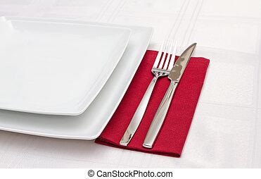 piastre, bianco, tovagliolo, coltelleria, rosso