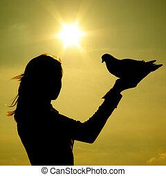 piccione, su, ragazza, mano
