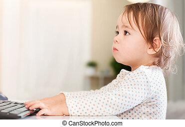 piccola ragazza, usando, lei, computer