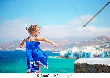 piccola ragazza, vacanza, in, mykonos