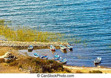 piccole barche, su, lago titicaca
